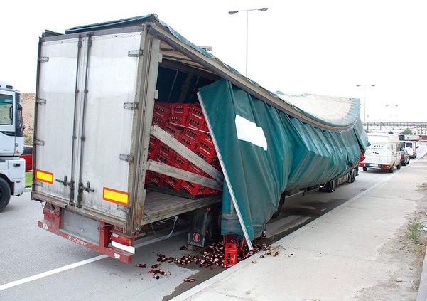 Normativa de Estiba de Cargas en el Transporte por carretera Leer más- https- www.eesea.es news normativa-de-estiba-en-el-transporte-por-carretera-rd-563-2017 1